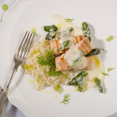 Saumon sauce béchamel à l'asperge sur riz Saveurs Santé