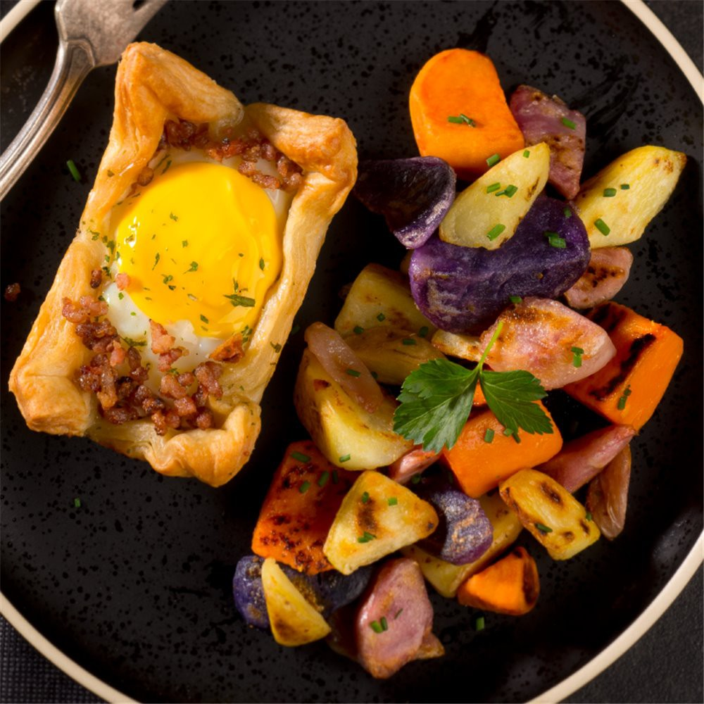 Egg in puff pastry and potatoes Saveurs Santé  Lunches
